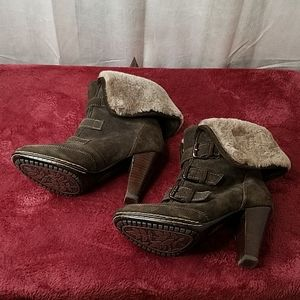 Sofft Suede Ankle Boots with Lambs Fur sz 7